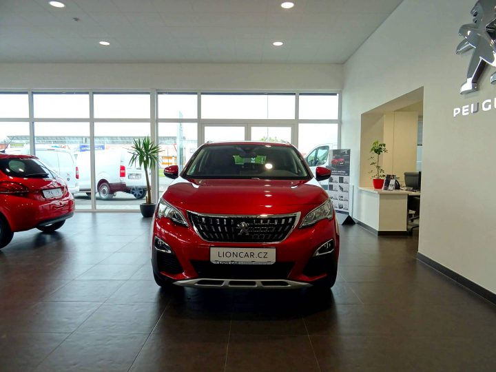 Peugeot 3008 1.2Ti ALLURE EAT8