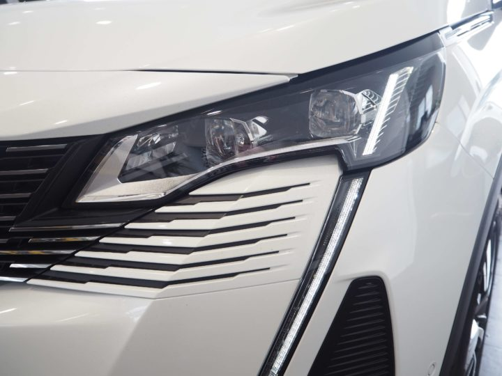 Peugeot 5008 GT full LED technology